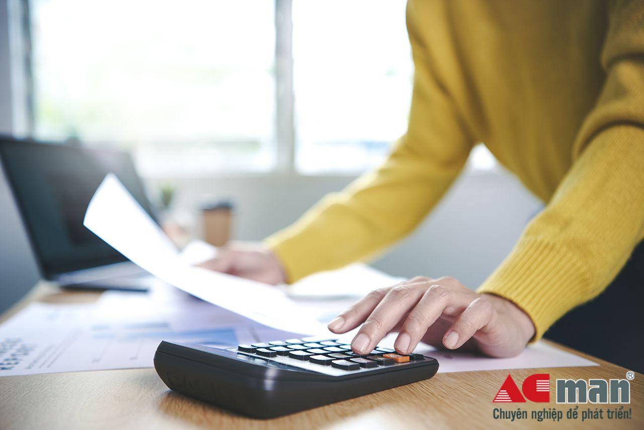 Nộp chậm báo cáo tình hình sử dụng hóa đơn bị phạt bao nhiêu?